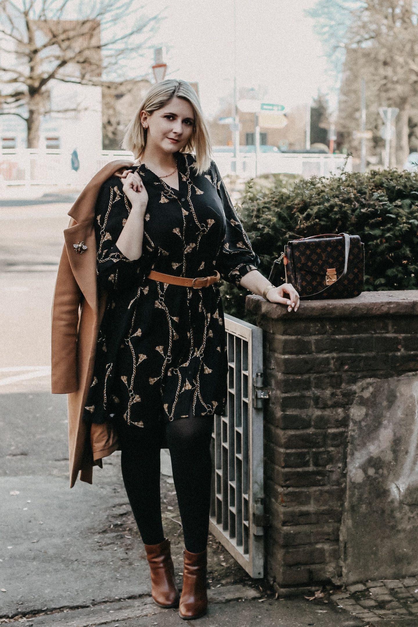 Kettenprint-Kleid