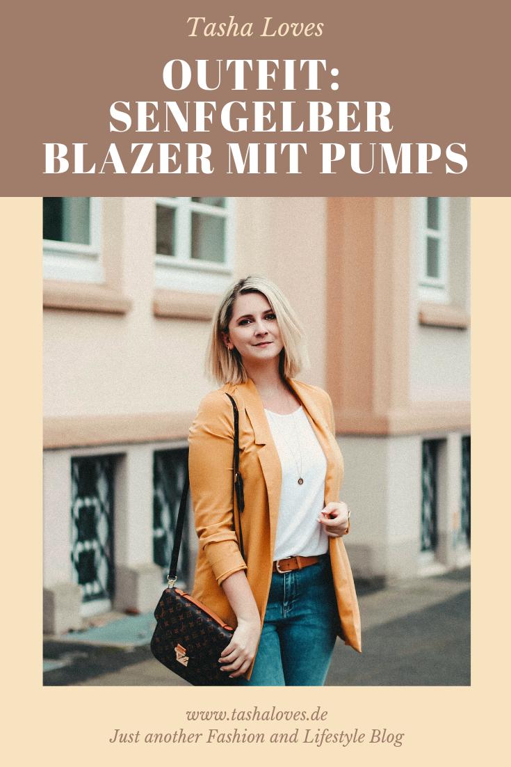 Senfgelber Blazer mit abgestimmten Pumps